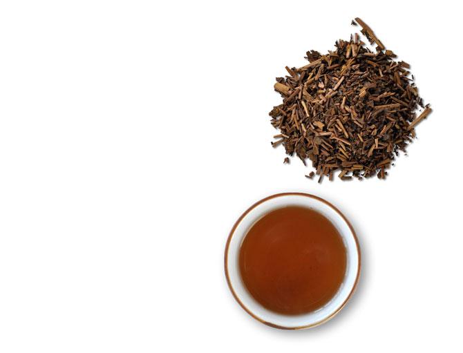 ほうじ茶の茶葉と湯呑